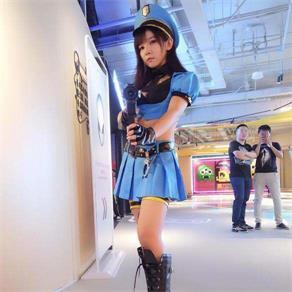 皮城女警漫展COS 这个制服很赞