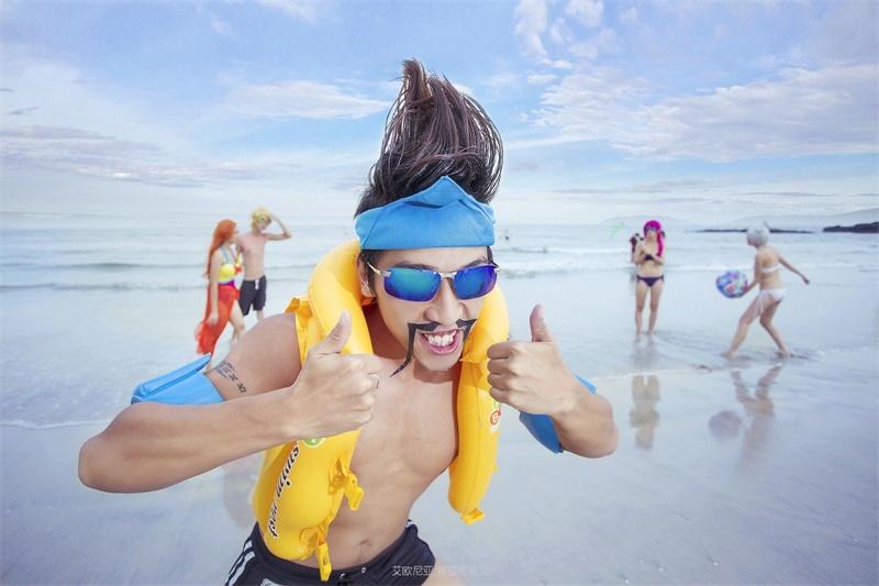 LOL:泳池派对德莱文COS-贱的还原