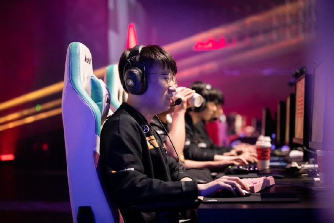 LCK赛区解说预测:RNG和DK会师决赛